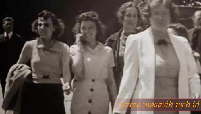 Wanita Penjelajah Waktu Di Tahun 1938