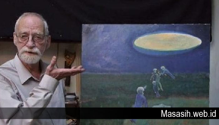 Kisah Seorang kakek Yang Mengaku Pernah Bercinta dengan Alien dan Punya Ratusan Anak